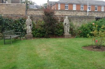 garden statues ds